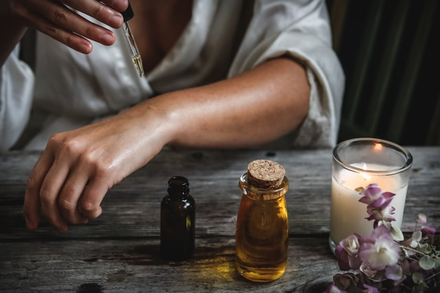 Aromatherapy: Quickest Runway to Lifting Moods, Soothing Psyches