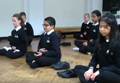 Kids Learn To Meditate in UK Schools